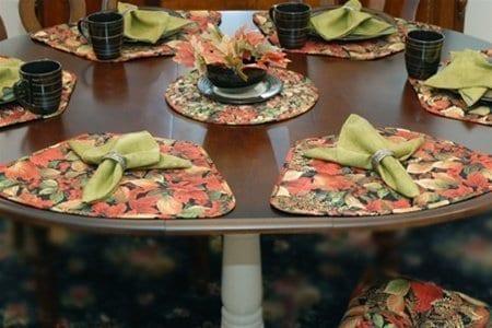 Sweet Pea Linens - Green Tonal Leaf Cloth Napkin (SKU#: R-1010-L11) - Table Setting
