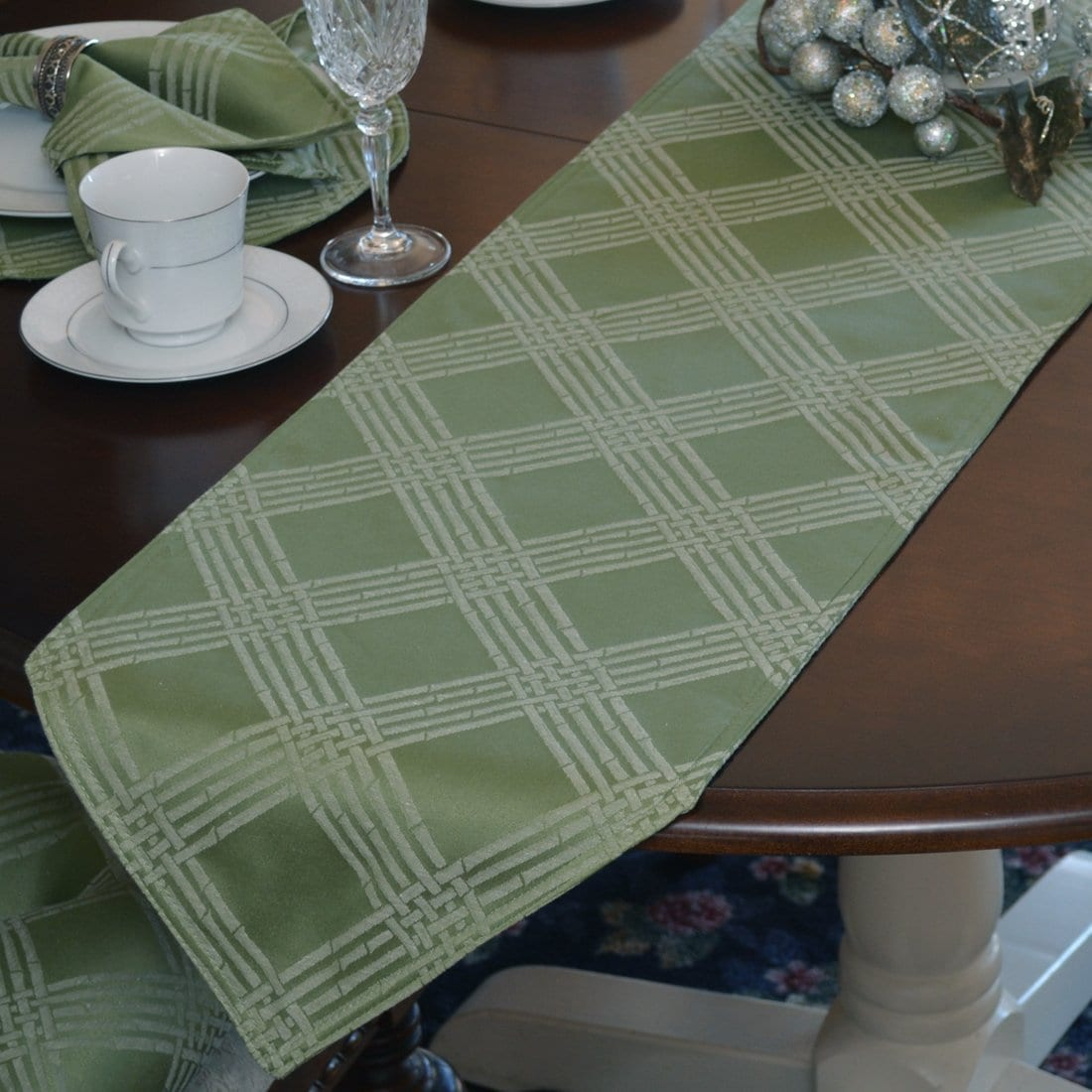 Sweet Pea Linens - Celery Green Lattice Jacquard 72 inch Table Runner (SKU#: R-1024-L22) - Table Setting