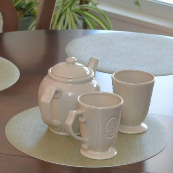 Sweet Pea Linens - Green Vinyl Wipe Clean Charger-Center Round Placemats - Set of Six (SKU#: RS6-1015-V8) - Table Setting