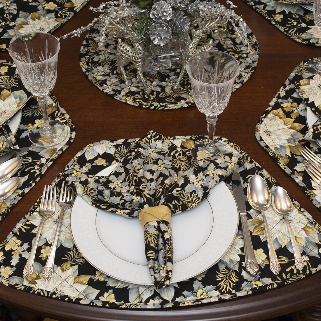Sweet Pea Linens - Black, Silver & Gold Christmas Holly  Cloth Napkins - Set of Four (SKU#: RS4-1010-X40) - Table Setting