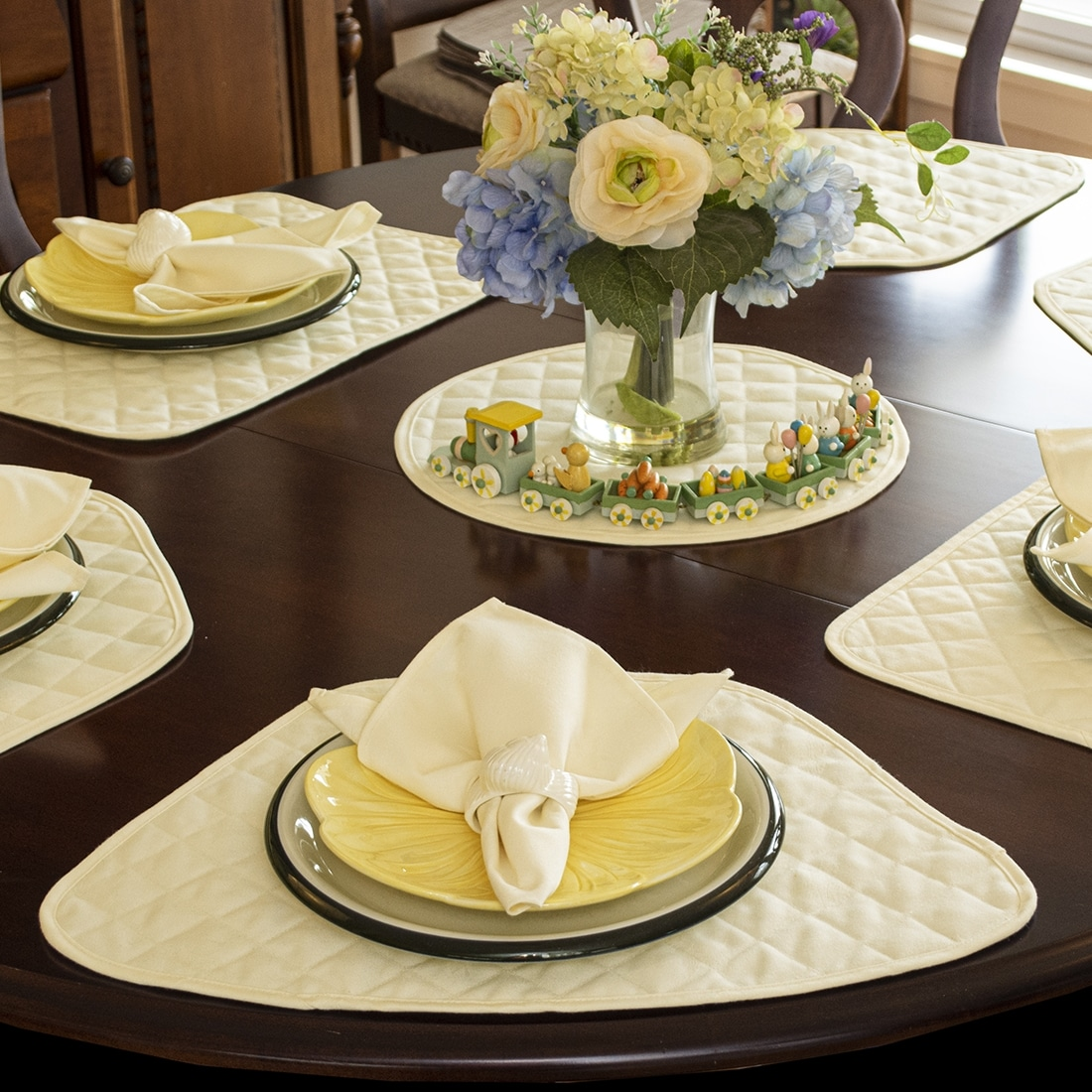 Sweet Pea Linens - Solid Ivory Quilted Jacquard Wedge-Shaped Placemats - Set of Four plus Center Round-Charger (SKU#: RS5-1006-Y2) - Alternate Table Setting