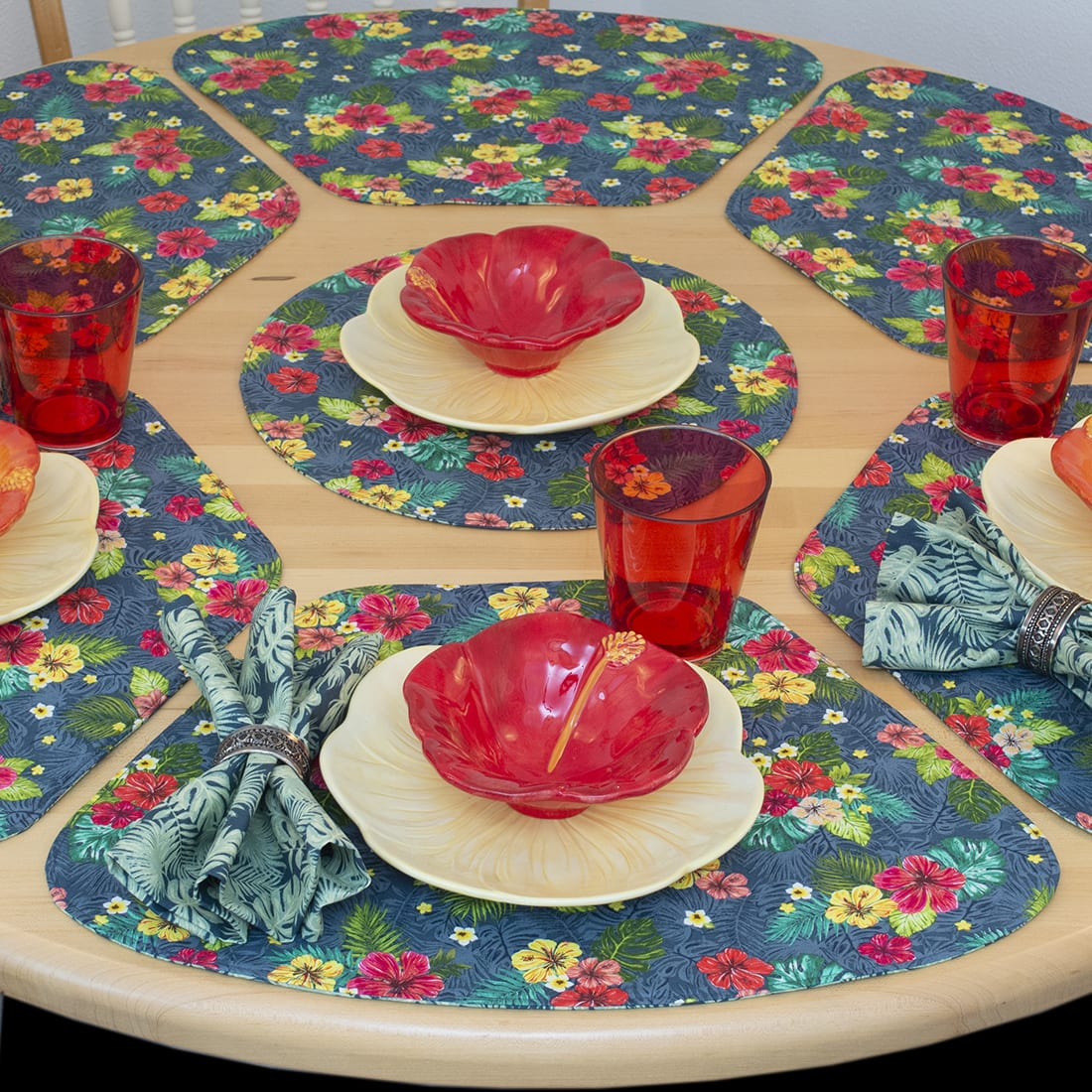 Sweet Pea Linens - Teal Green Tropical Print Wedge-Shaped Placemats - Set of Four plus Center Round-Charger (SKU#: RS5-1006-Z3) - Table Setting