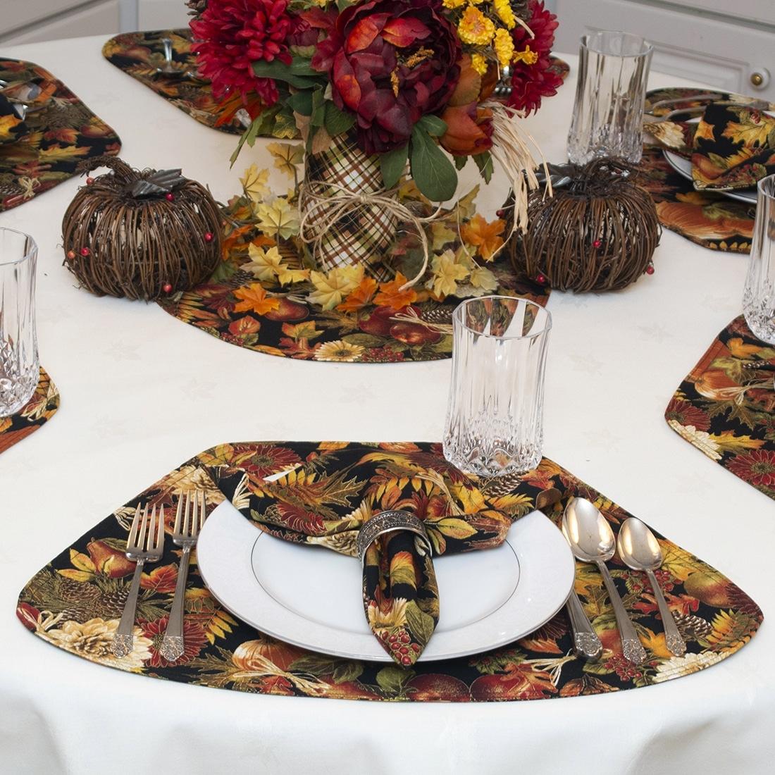 Sweet Pea Linens - Fall Harvest Leaf Print Cloth Napkins - Set of Four (SKU#: RS4-1010-Z4) - Alternate Table Setting